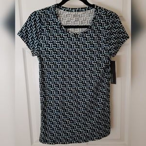 NEW Daisy Fuentes Patterned T-Shirt Medium